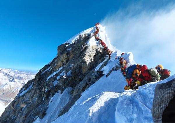 394 mountaineers receive permissions to scale Mt Everest in Spring